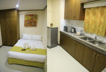 DeLuxe-Bedroom-with-Kitchen